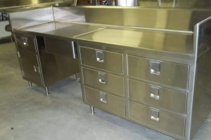 Custom Stainless Counters & Tables (1)