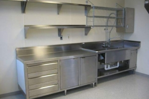 Custom Stainless Counters & Tables (4)